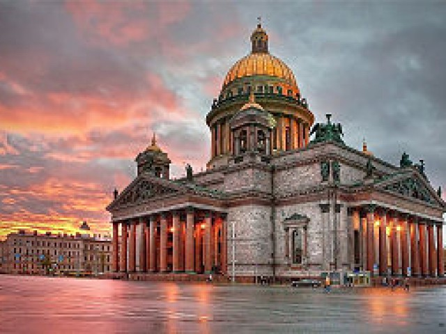 View_to_Saint_Isaac's_Cathedral_by_Ivan_Smelov